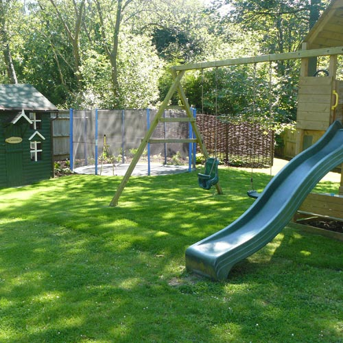 Children's play area and Wendy House